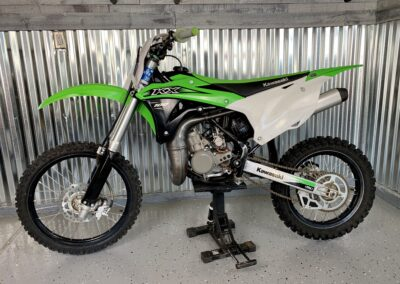 Mid sized dirt bike